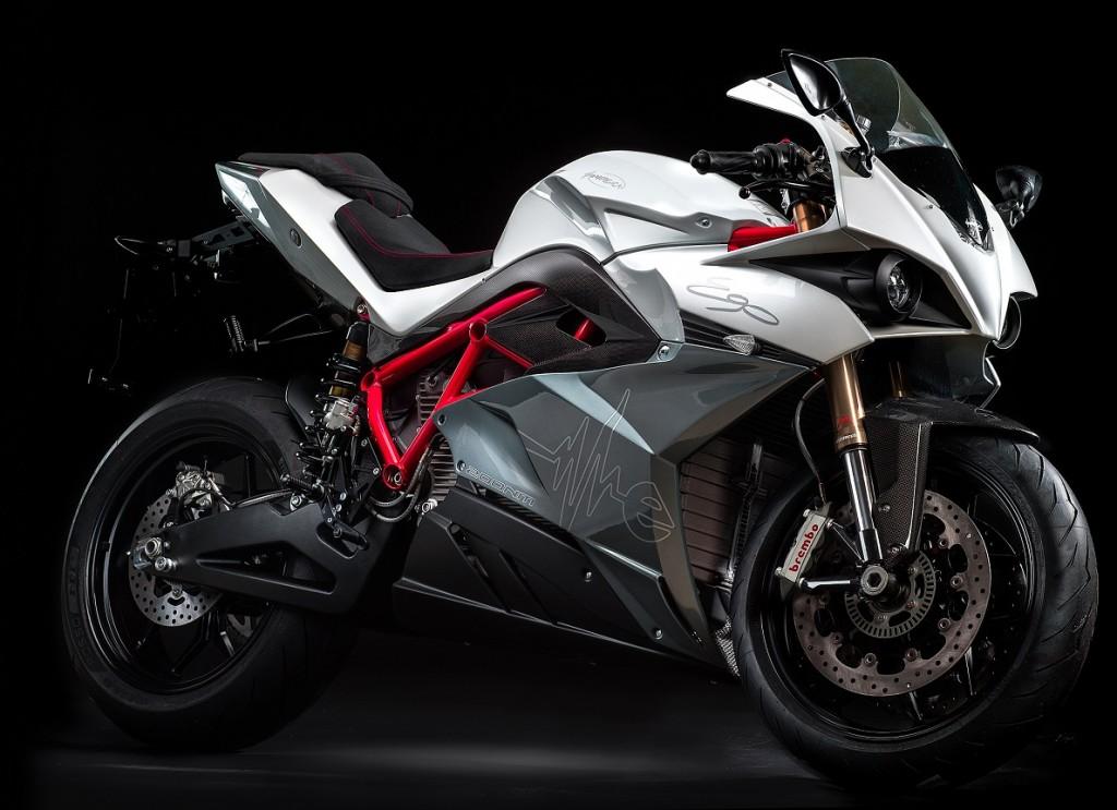 Energica Motor Company S.p.A. costruttore unico per la FIM Moto-e World Cup