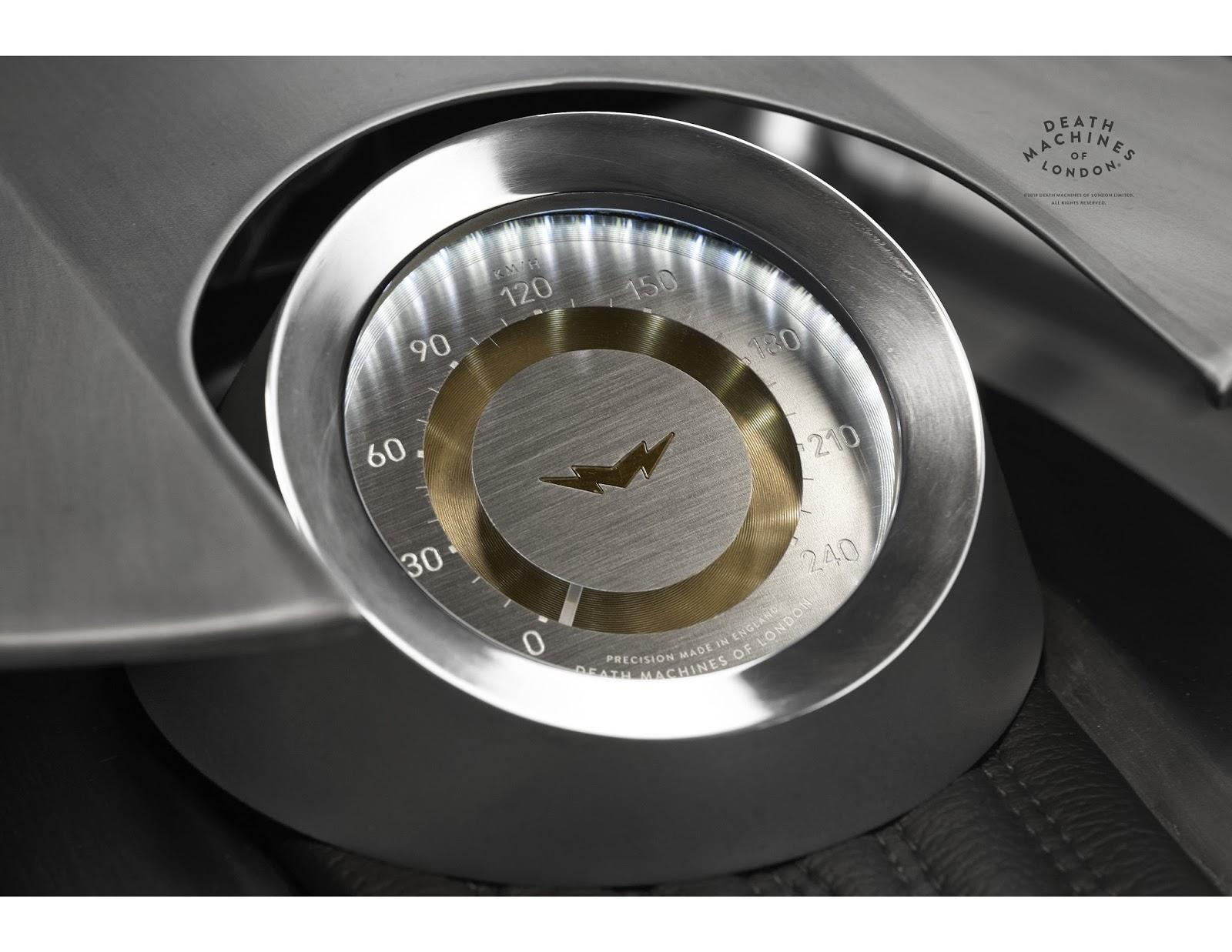 DMOL-MG-AF-DETAIL_Speedo02_FINAL