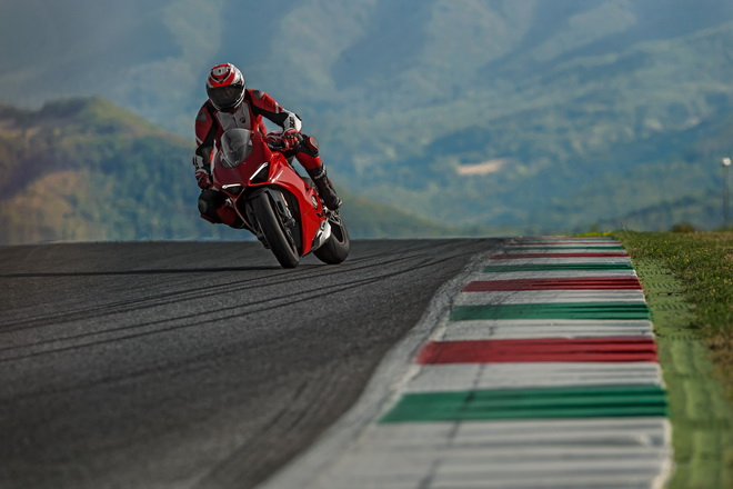 Ducati_PANIGALE_V4_2018_PT_06