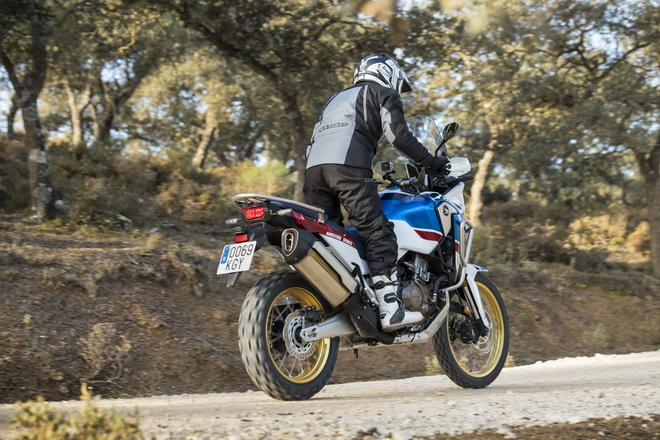 Honda_Africa_Twin_2018_Adventure_Sports_07