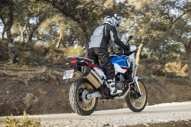 Honda_Africa_Twin_2018_Adventure_Sports_07