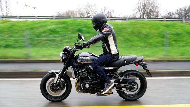 Kawasaki_Z900RS_Pss_2018_14