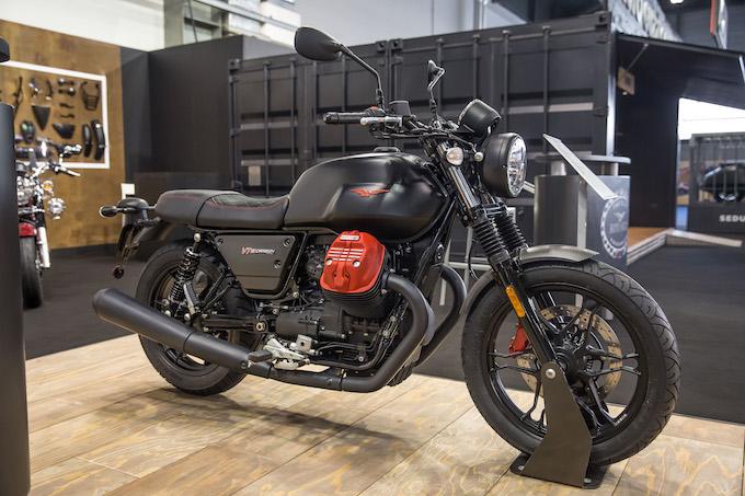 Moto Guzzi: la V7 III Carbon finalmente disponibile nei concessionari