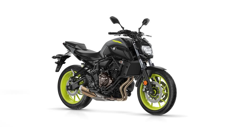 2018-Yamaha-MT-07-EU-Night-Fluo-Studio-001