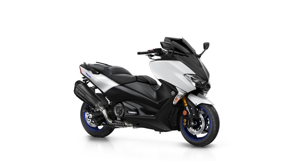2018-Yamaha-TMAX-SX-Sport-Edition-EU-Matt-Silver-Studio-001