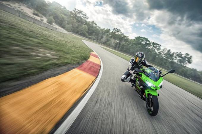 Kawasaki: la Ninja 400 correrà al Mondiale SS300