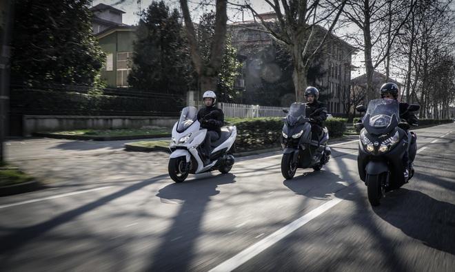 Yamaha_X-Max_400_Suzuki_Burgman_400_Sym_MaxSym_400_ Comparativa_Prova_su_strada_2018_006