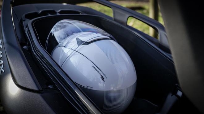 Yamaha_X-Max_400_Suzuki_Burgman_400_Sym_MaxSym_400_ Comparativa_Prova_su_strada_2018_016