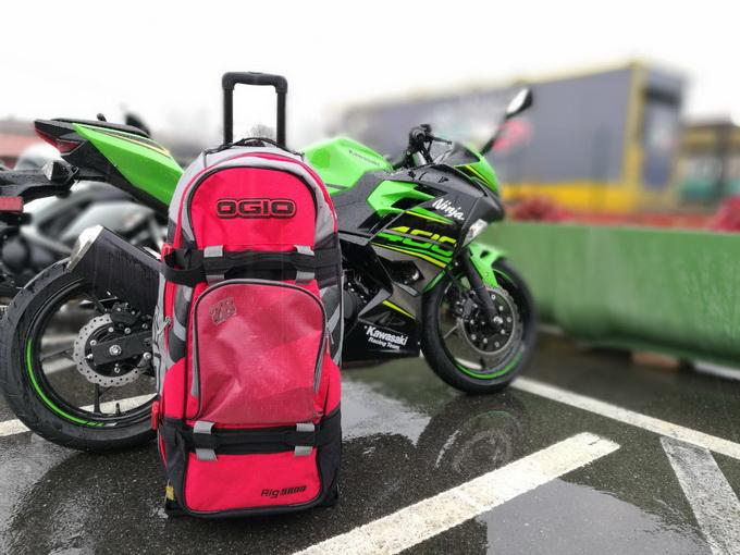 Ogio Rig 9800, la (miglior?) borsa a prova di motociclista e non solo [RECENSIONE]