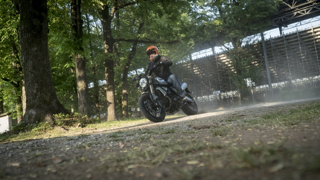 Ducati_Scrambler_1100_pss_2018_14