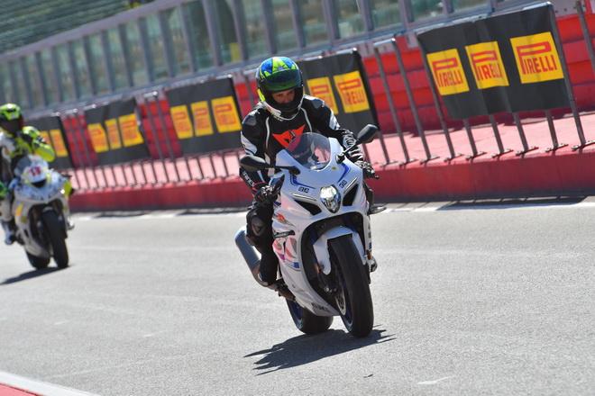 Suzuki_GSX-R1000R_Pirelli_Track_Days_Imola_2018_1