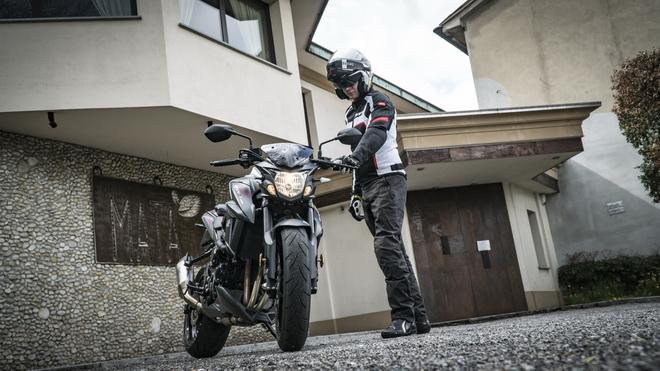 Suzuki_GSX-S750_Yugen_pss_2018_06