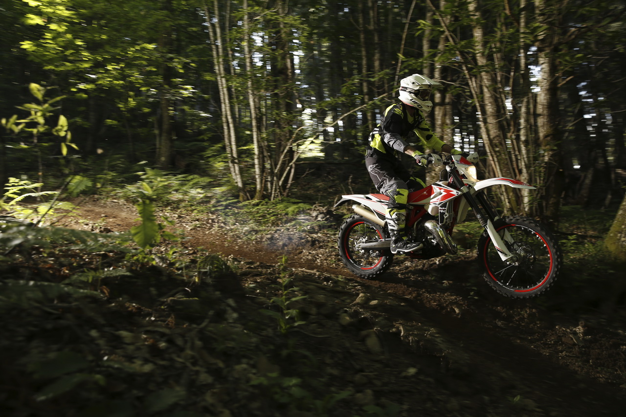 Beta_RR_Enduro_MY_2019_prova_su_strada_2018_01