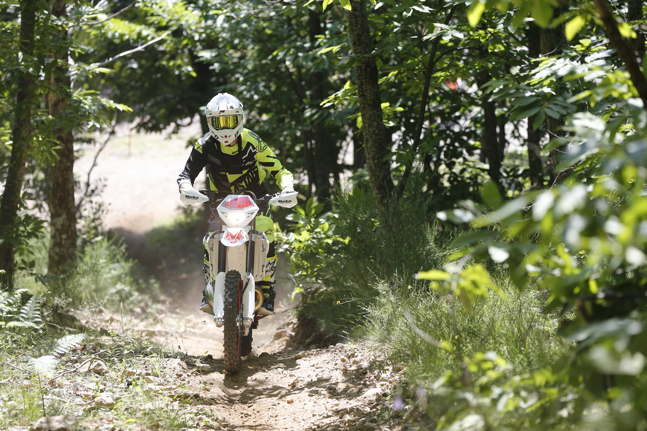 Beta_RR_Enduro_MY_2019_prova_su_strada_2018_19