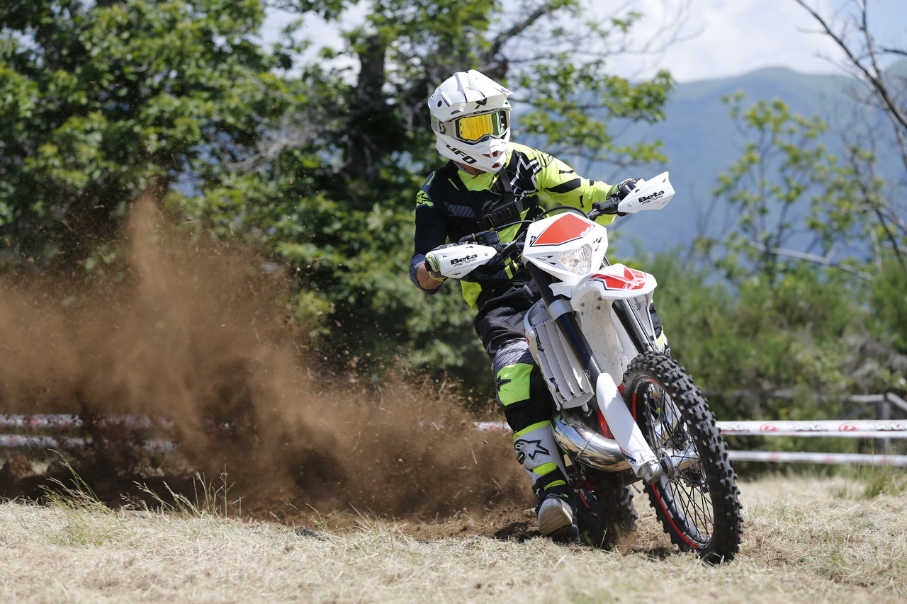 Beta_RR_Enduro_MY_2019_prova_su_strada_2018_36