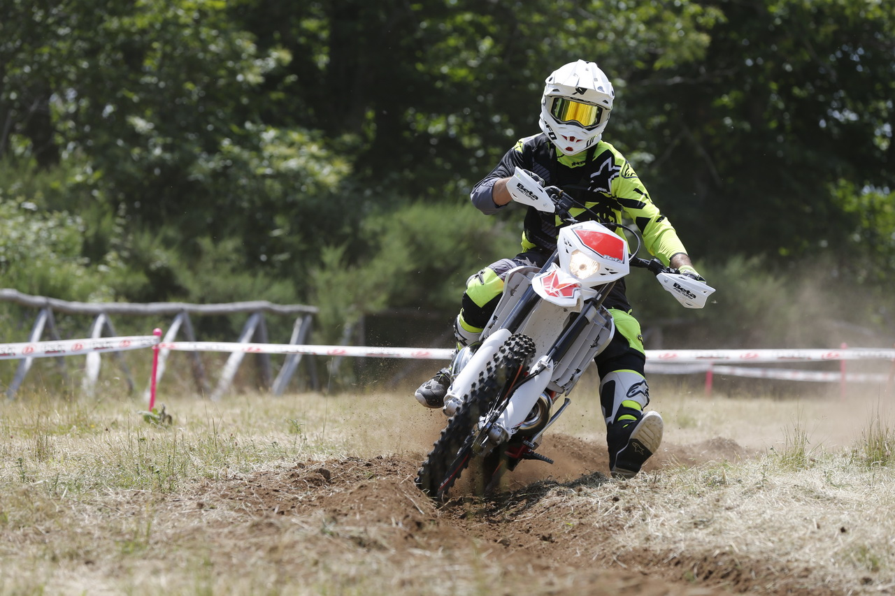 Beta_RR_Enduro_MY_2019_prova_su_strada_2018_42
