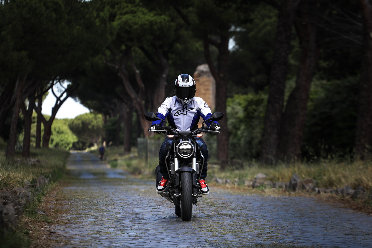 Honda_CB300_prova_su_strada_2018_06