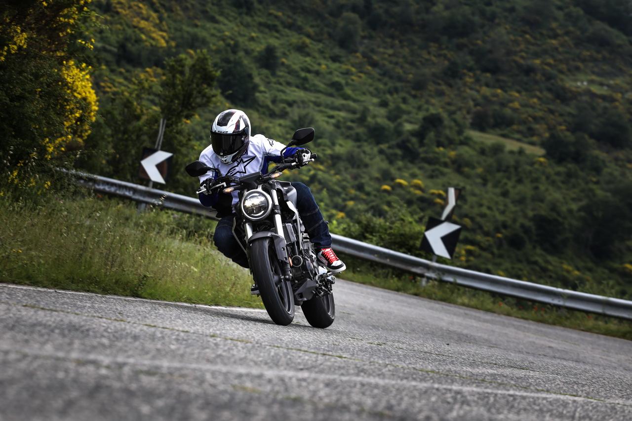 Honda_CB300_prova_su_strada_2018_19