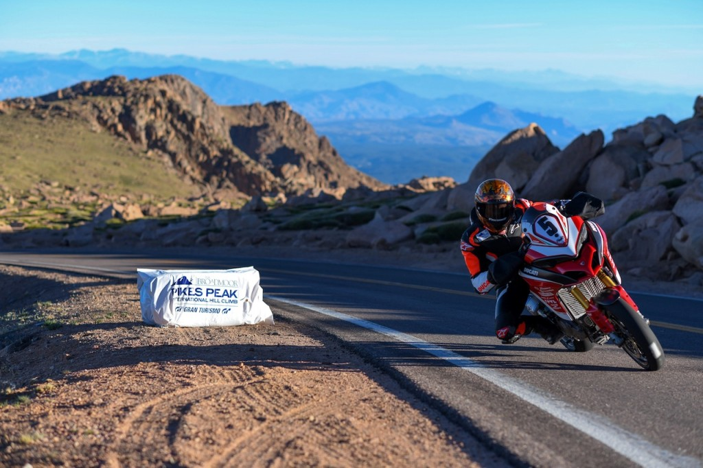 Ducati Multistrada 1260 vince la Pikes Peak International
