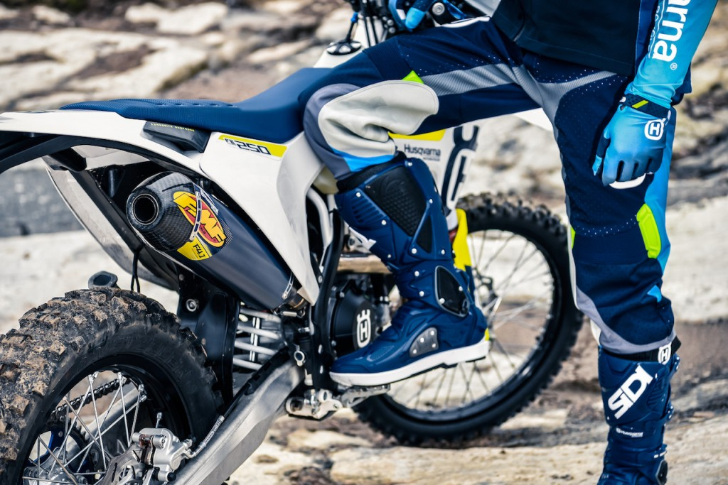 Abbigliamento_Husqvarna_Motorcycles_21
