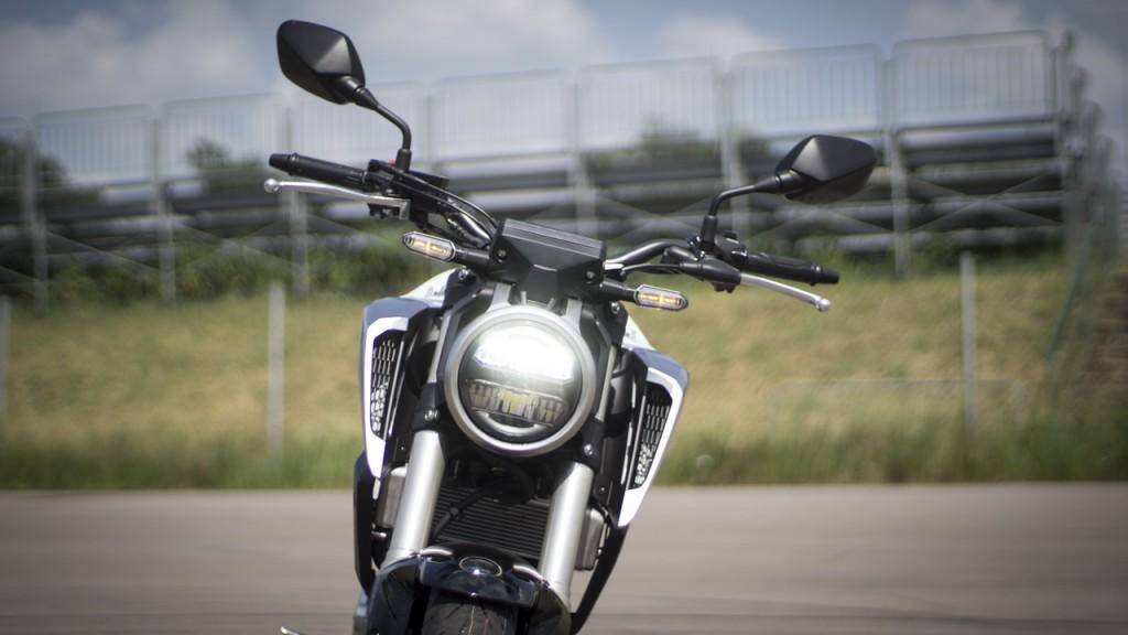 Honda_CB125R_prova_su_strada_2018_08