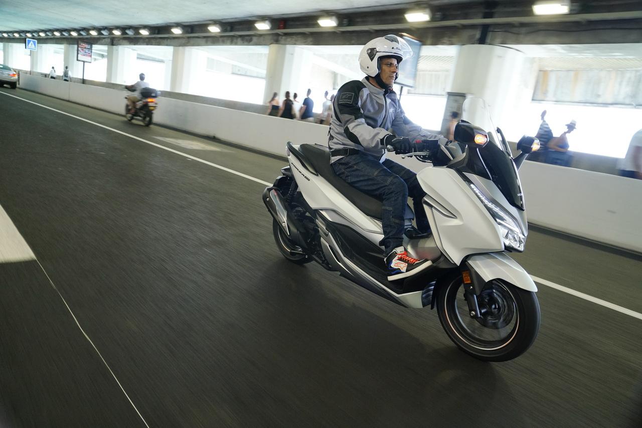 Honda_Forza_300_YM19_prova_su_strada_2018_14