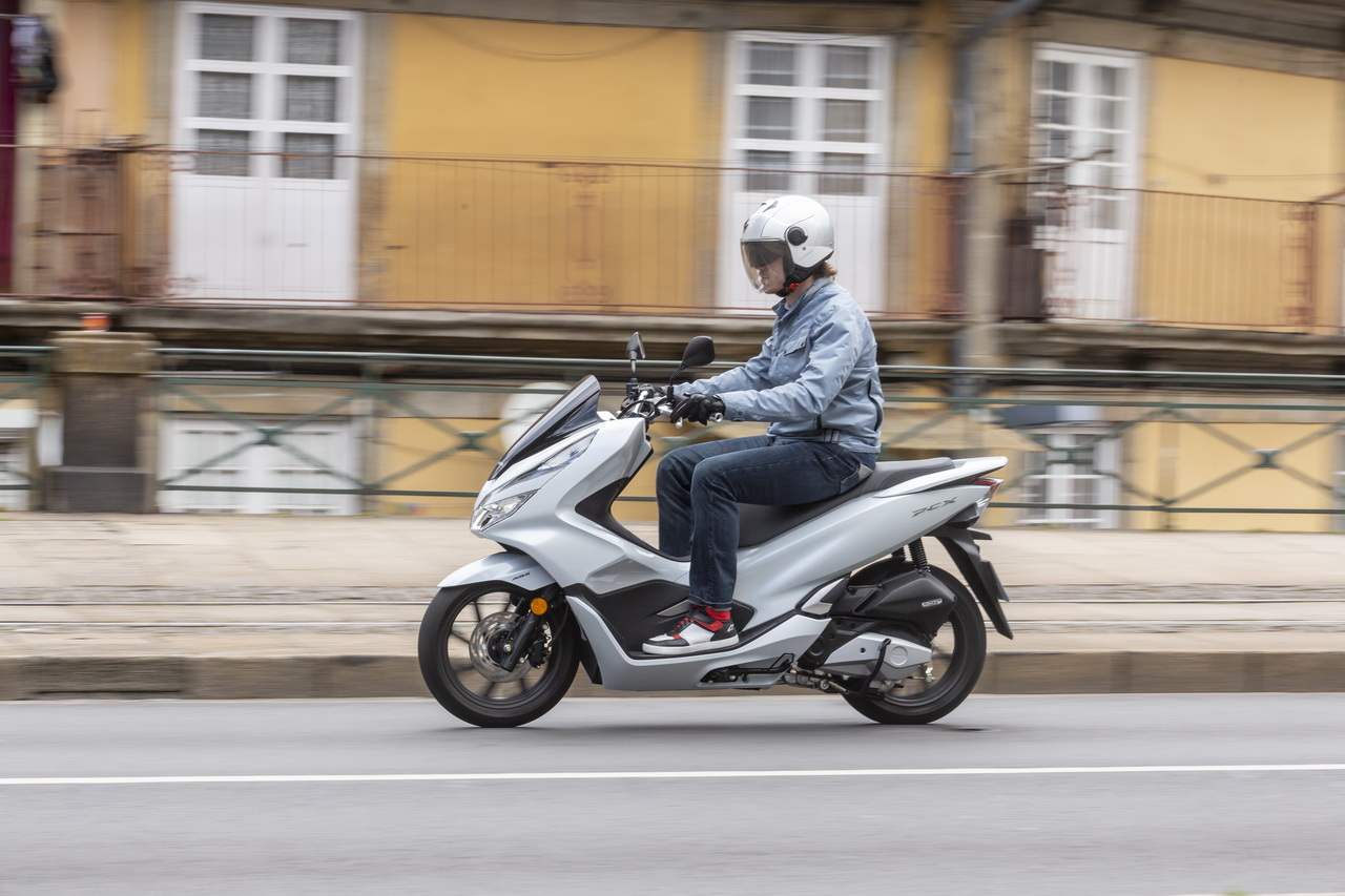 Honda_PCX_125_prova_su_strada_2018_38