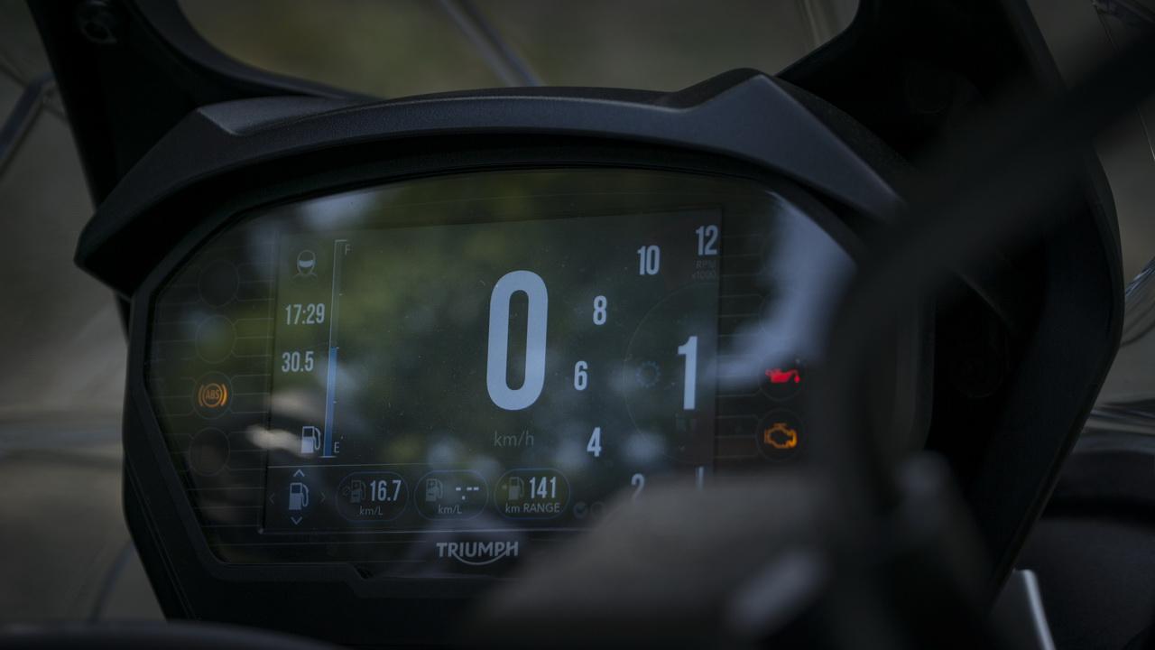 Triumph_Tiger_800_XRT_BMW_F850GS_doppia_prova_su_strada_2018_11