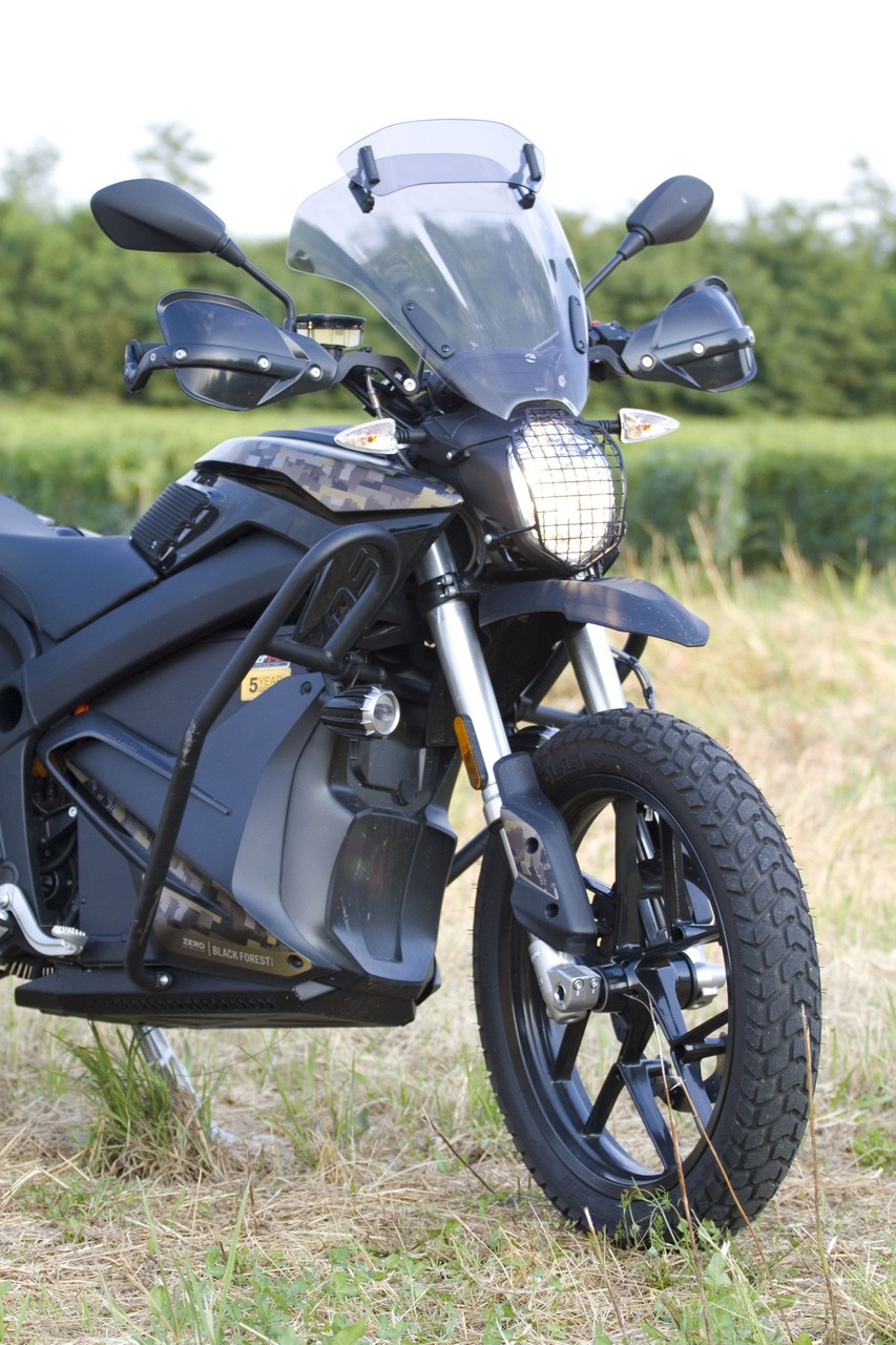 Zero_Motorcycles_DSR_Black_Forest_prova_su_strada_2018_04