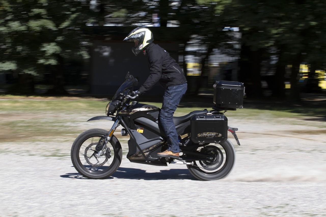 Zero_Motorcycles_DSR_Black_Forest_prova_su_strada_2018_24