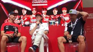 """Melandri infiamma il World Ducati Week: """"Curioso di provare la Panigale V4"""" [VIDEO]"""