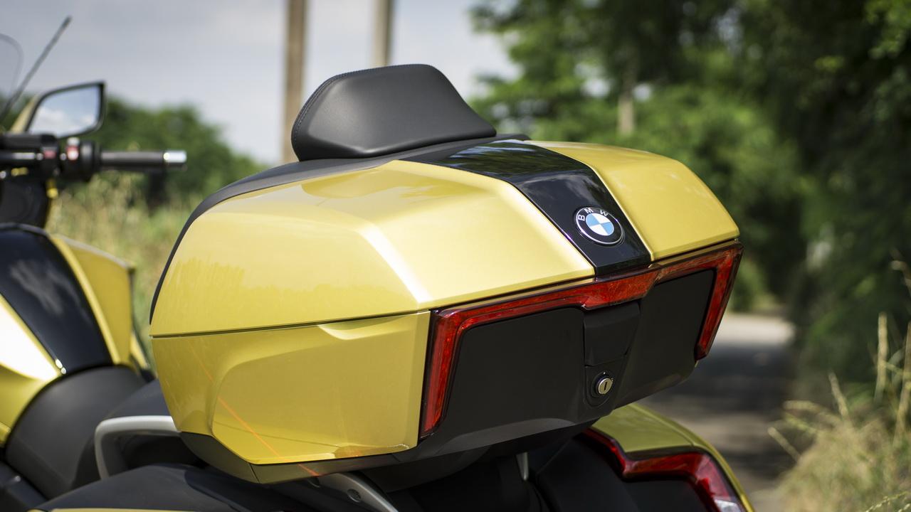 BMW_K1600_Grand_America_prova_su_strada_2018_21
