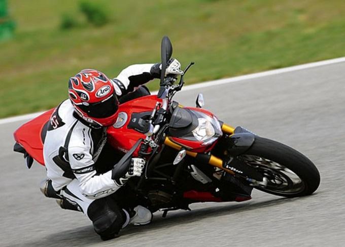 Ducati: in arrivo una Streetfighter col motore V4
