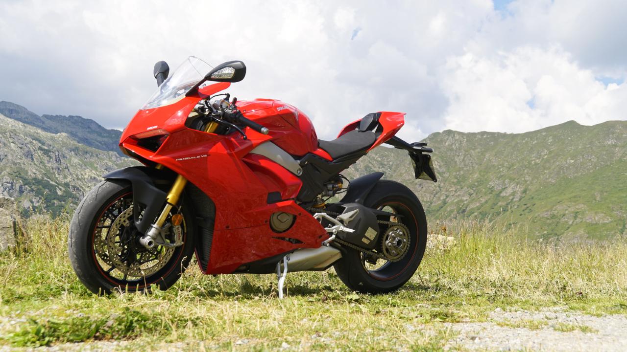 Ducati_Panigale_V4S_prova_su_strada_2018_25