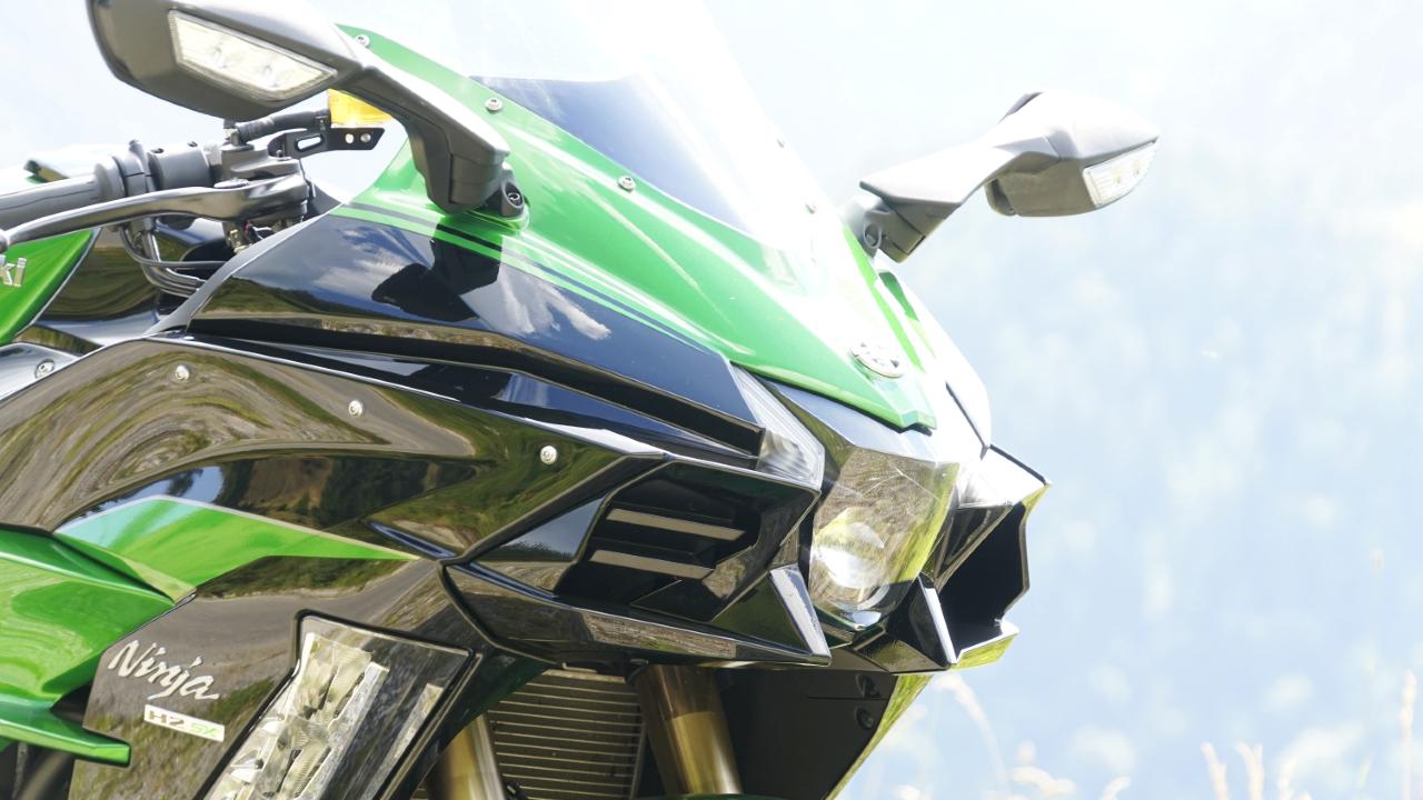 Kawasaki_Ninja_H2_SX_SE_prova_su_strada_2018_11
