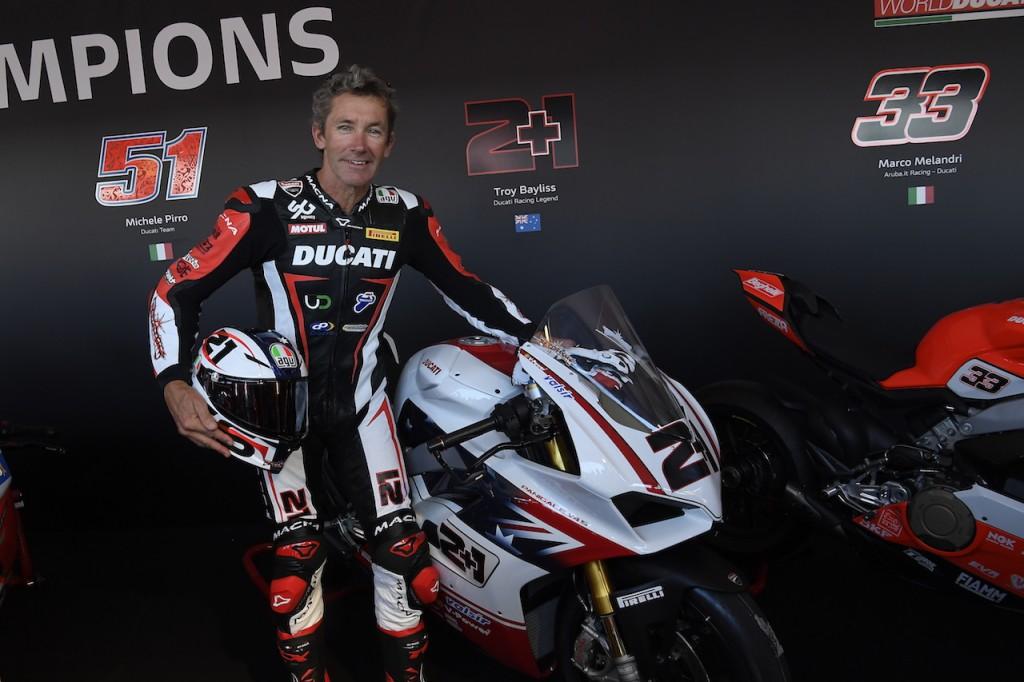 Ducati: tutte vendute le 13 Panigale V4 della Race of Champions