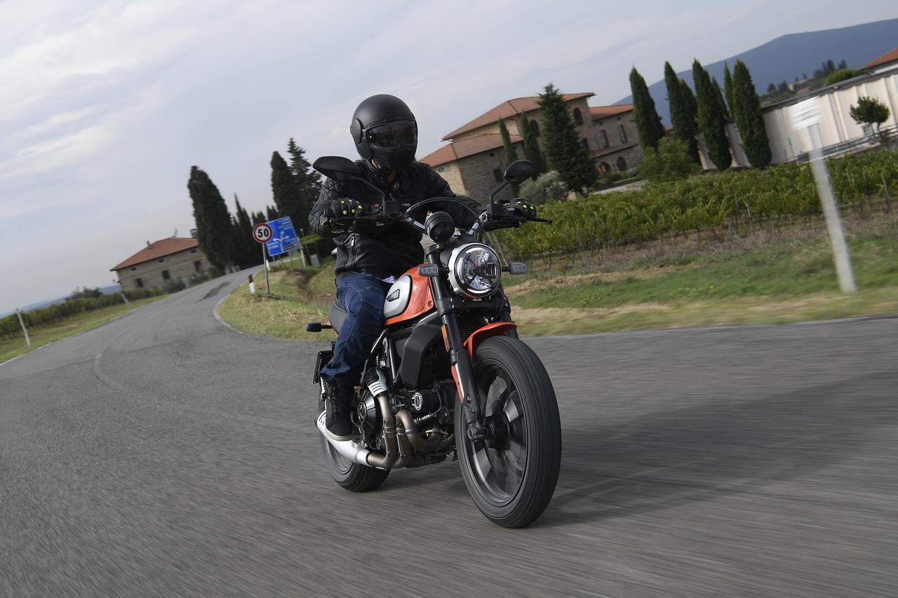 Ducati_Scrambler_Icon_2019_prova_su_strada_2018_007