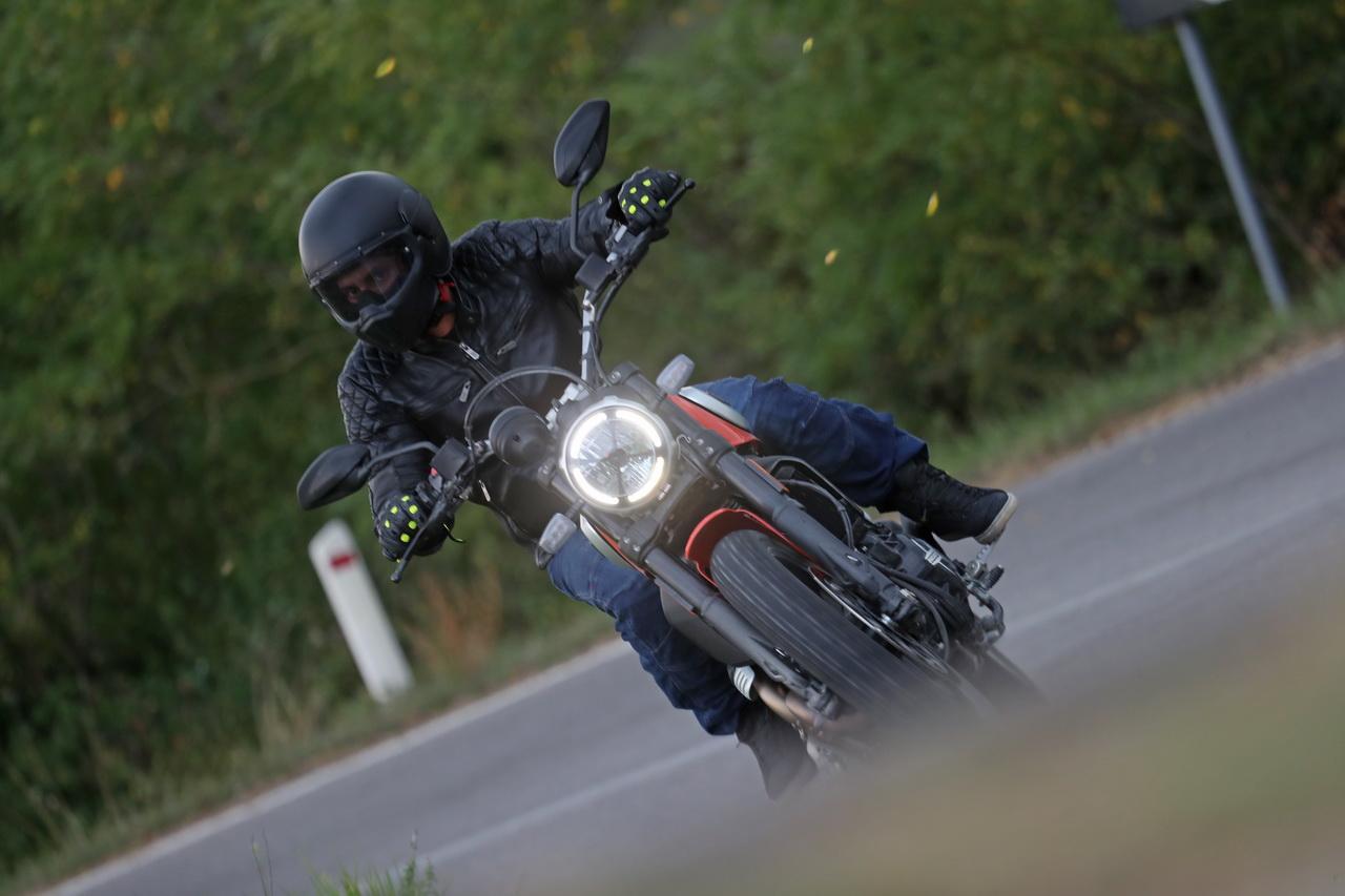 Ducati_Scrambler_Icon_2019_prova_su_strada_2018_083