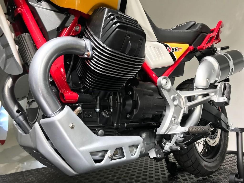 Moto Guzzi_V85_TT_8