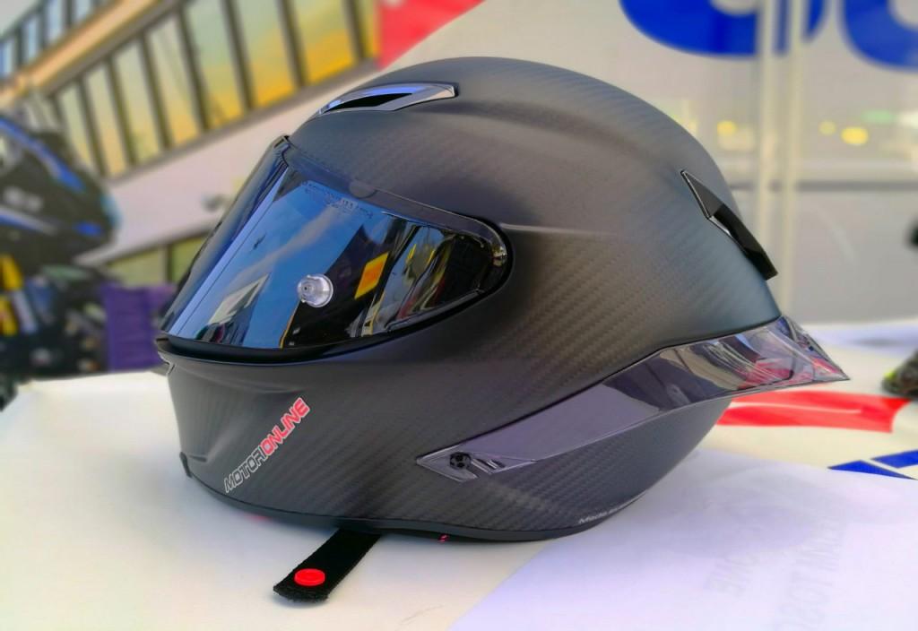 Agv Pista GP R: abbiamo provato il casco di Valentino Rossi [RECENSIONE]