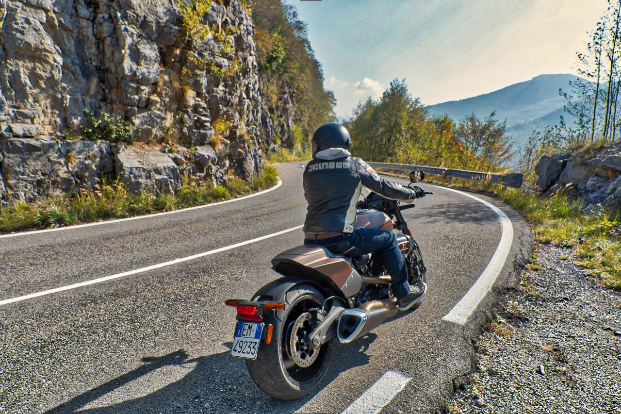 Harley-Davidson_FXDR_2019_prova_su_strada_2018_0041