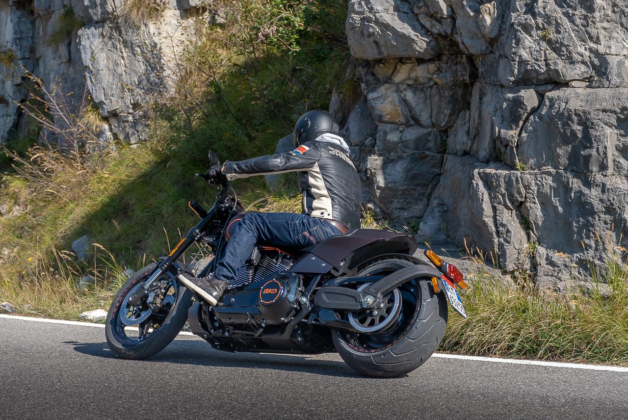 Harley-Davidson_FXDR_2019_prova_su_strada_2018_0043