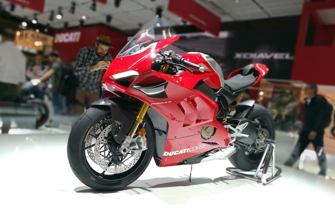 ducati la panigale v4 r regina di eicma 2018 intervista. Black Bedroom Furniture Sets. Home Design Ideas