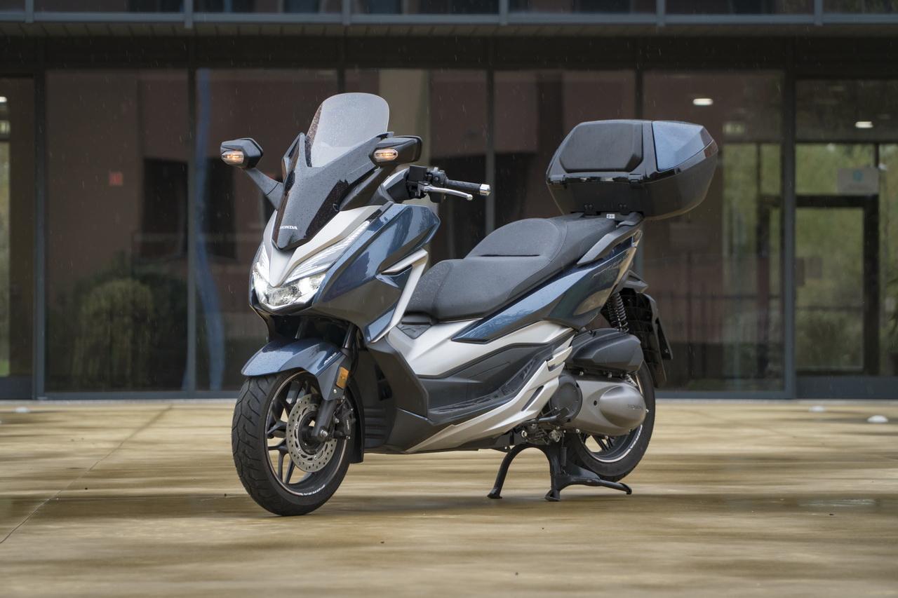 Honda Forza 300 Difficile Per Uno Scooter Riuscire Ad Offrire Di