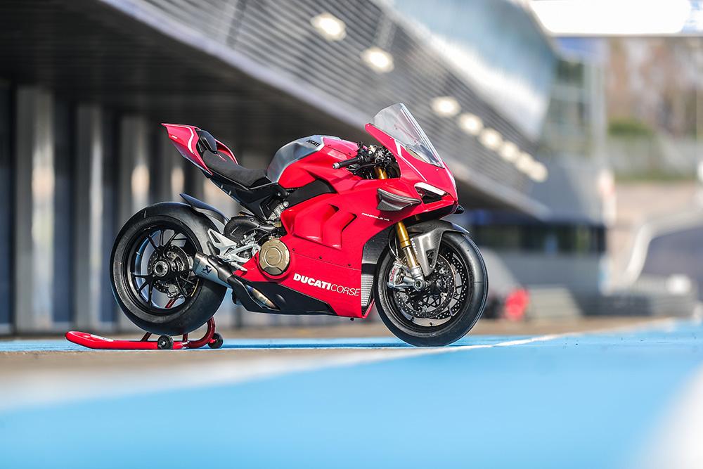 """Ducati V4 R: tutti i dettagli del """"mostro"""" di Borgo Panigale"""