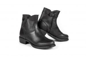 Stylmartin Pearl-J: gli stivali belli e tecnici per le motocicliste più esigenti