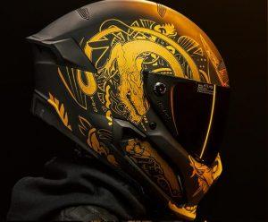 Ruroc Atlas: il casco in carbonio dal design non convenzionale