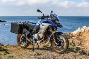 BMW F 850 GS Adventure e Metzeler Karootm 3 insieme per il test in Sardegna