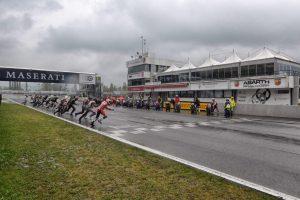 Trofeo Moto Guzzi Fast Endurance: le emozioni del ritorno in pista [VIDEO]