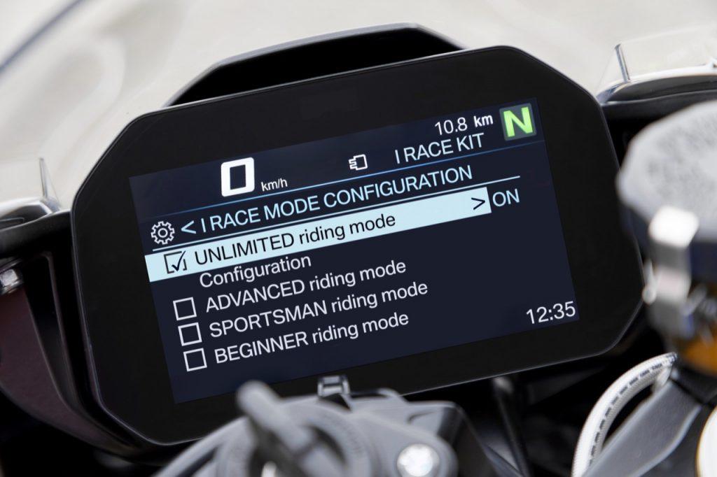 BMW Motorrad: presentato un kit iRace per la potente S 1000 RR